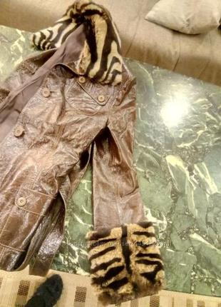 Кожаная осенняя куртка
