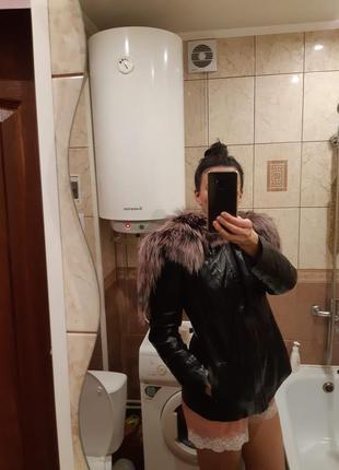 Кожаная куртка на синтепоне с капюшоном из тонированной финской чернобурки р.48-50