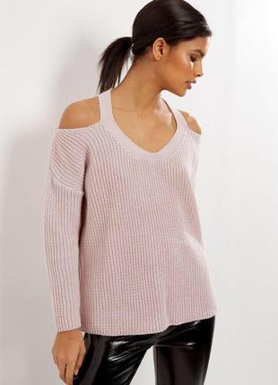 Шырокий свитер с открытыми плечами
