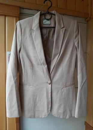 Пиджак бежевый базовый м 38