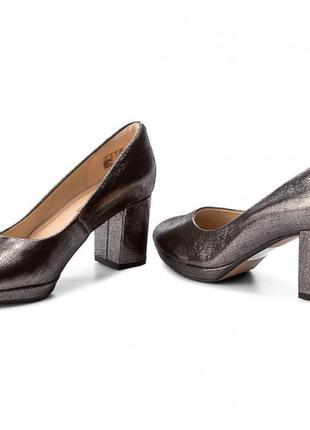 Шикарные туфли 38 размер