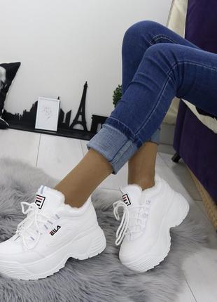 Новые шикарные женские белые зимние кроссовки