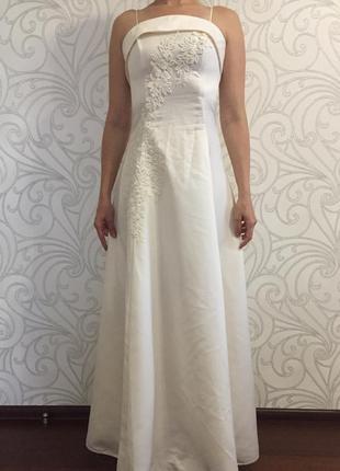 Универсальное платье на свадьбу или выпускной