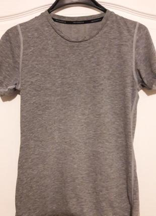 Женская футболка new balance