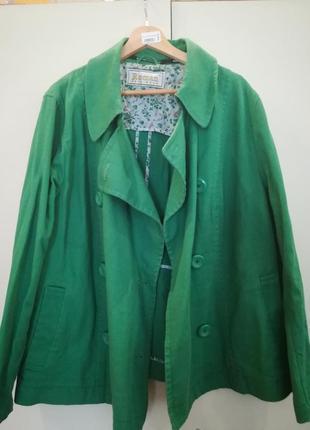 Котоновый пиджак большого размера.