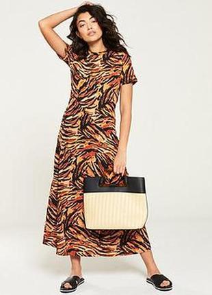 Платье миди тирговый принт платье-футболка трикотажное