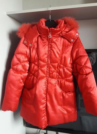 Зимняя шуба куртка красная поздняя осень на девочку