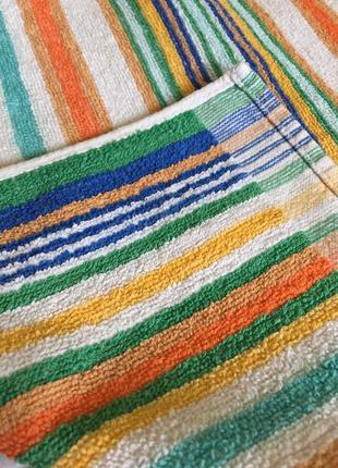 Полотенце махровое среднего размера