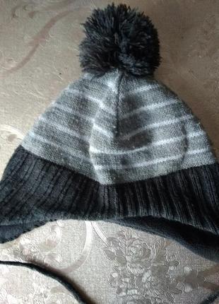 Демисезонная шапка на 1,5-2года