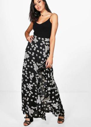 Красивая цветастая юбка макчи с разрезом и воланом, 12 р. boohoo.