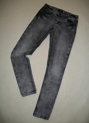 Интересные джинсы skinny