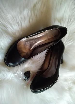 Туфли кожаные на каблуке antonio gelo.