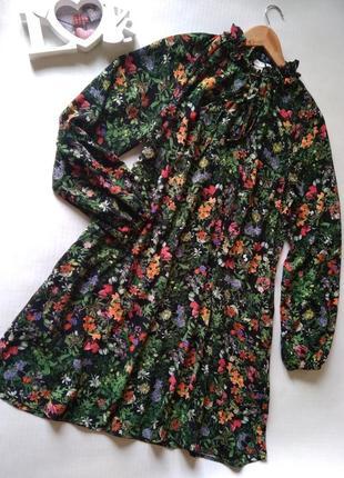 Стильное платье в цветы h&m