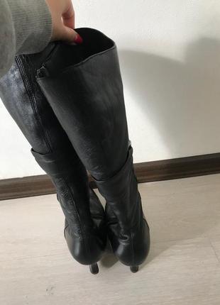Зимние сапоги с острыми носками