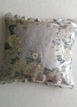 Декоративная диванная подушечка (гусиное перо)