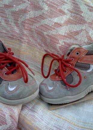 Ботиночки ботинки кросовки детские pepino