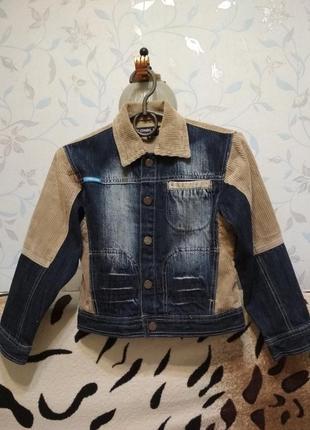 Новая джинсовая куртка, пиджак на мальчика 122-128 см.