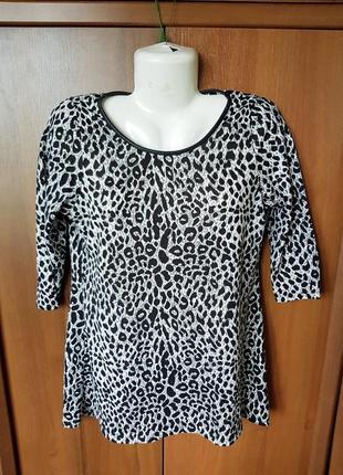Интересная туника в леопардовый принт размера 46-48.