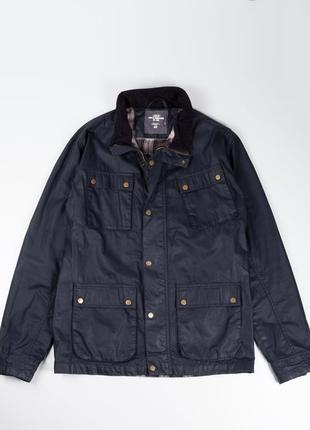 Черная куртка с клетчатой подкладкой в стиле barbour  h&m