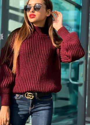Теплые пушистые свитера в расцветках