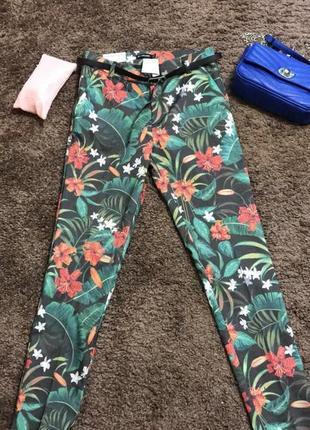 Скини джинсы stradivarius