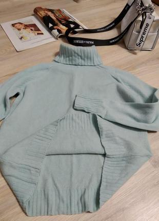 Отличная стильная голубая водолазка свитер джемпер из натуральной шерсти