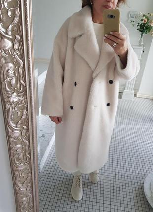 Красивая белая шуба оверсайз натуральная овчина размеры