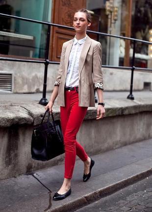 Трендовые джинсы кораллового цвета pimkie