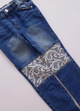 Модные джинсы с кружевом