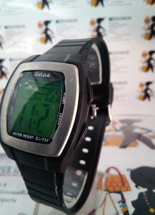 Мужские влагозащищенные электронные часы xinjia 737