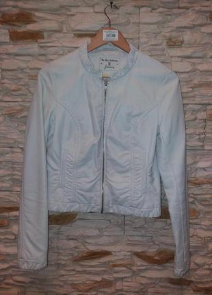 Куртка белая stradivarius