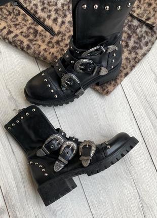 Кожаные ботинки,сапоги dr. company