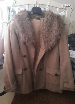 Пальто великого розміру