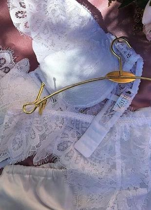 Белоснежный комплект женского белья от zarina