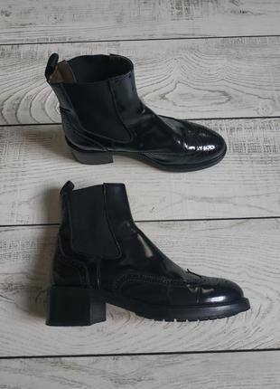 Ботинки от дорогого бренда agl pp 39-40