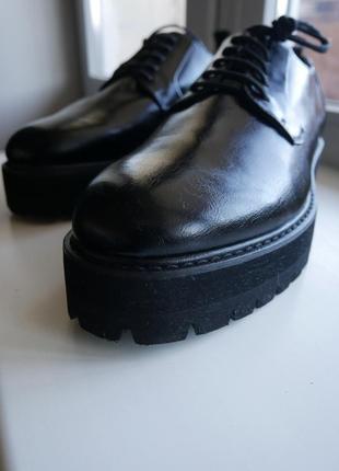 Крутые туфли на платформе