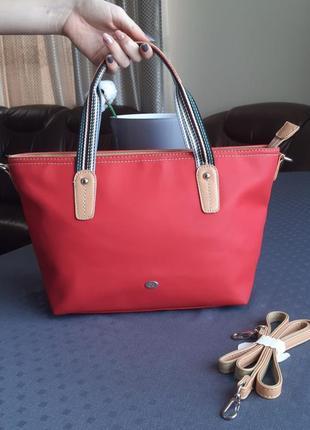 Новая красивая красная сумка с длинным ремешком фирмы david jones