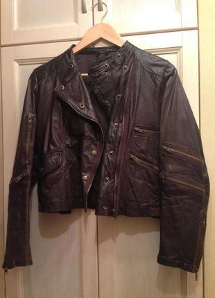 Стильная кожанная куртка косуха брендовая