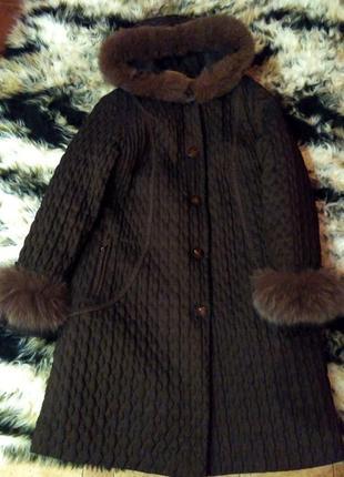 Зимнее пальто с натуральной опушкой