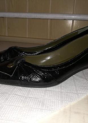 Итальянские кожанные туфли vera gomma