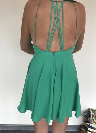 Плаття насиченого зеленого кольору