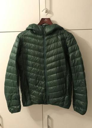 Демисезонная куртка uniqlo с капюшоном, пух p xs-s