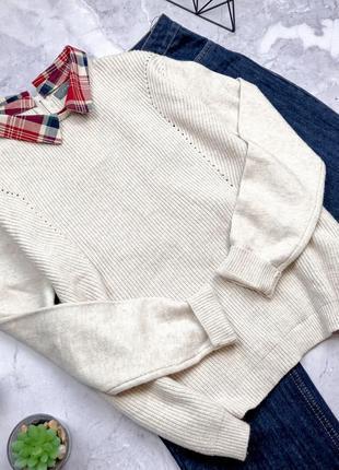 Крутой свитер с воротничком