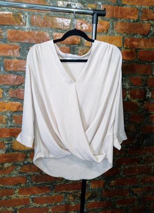 Кремовая свободная блуза с драпировкой на запах wallis