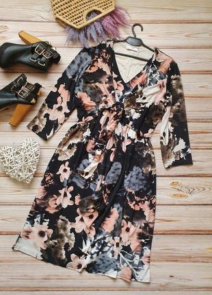 Красивое цветочное платье с зав'язкой на грвди в виде болеро