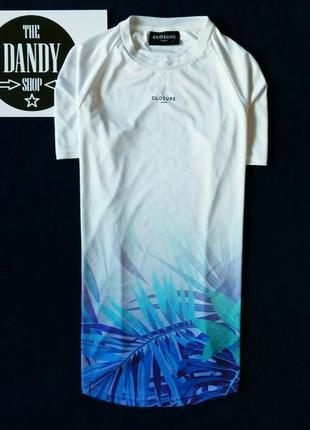 Белая удлиненная футболка с флористикой ф. closure, размер м