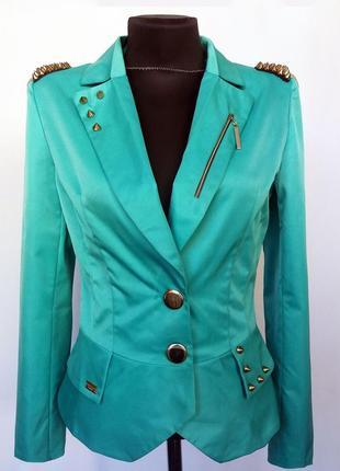 Суперцена. стильный зеленый пиджак, погоны. новый, р. s