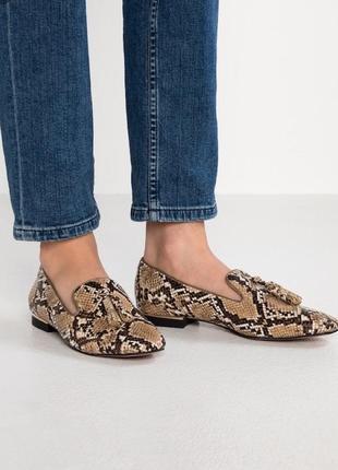 Parfois мокасины туфли с кисточками принт питона