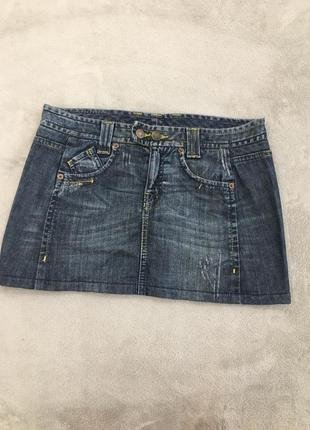 Короткая джинсовая юбка с потертостями united colors of benetton