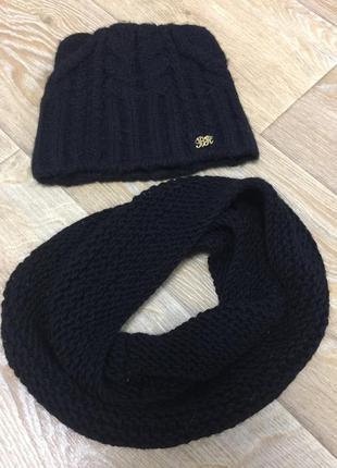 Зимняя шапка с ушками и шарф хомут